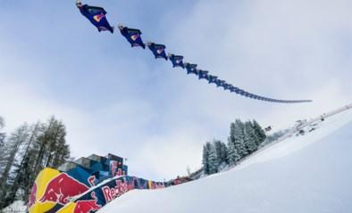 Waanzin: Red Bull Skydive Team vliegt aan 250km/u net boven de sneeuw op meest beruchte skipiste ter wereld