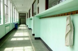 Bijna 240 kleuters noodgedwongen thuis door tekort aan leerkrachten na coronabesmetting