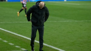 """Spaanse kranten zien einde van Zinédine Zidane naderen na bekeruitschakeling: """"Niemand ontsnapt aan deze vernedering"""""""