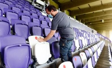 Voor een prikje naar Anderlecht: Lotto Park doet dienst als Brussels vaccinatiecentrum