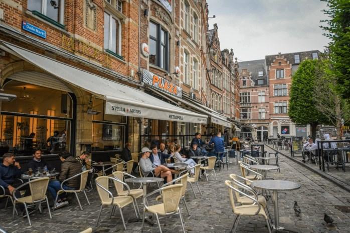 Stad geeft horeca perspectief: terrastaks geschrapt en vergunningen voor terrassen verlengd