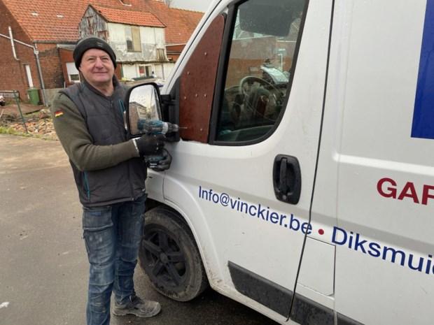 """Zware inbraak in bestelwagen kost poortenbouwer Dirk (56) zeker 10.000 euro: """"2021 is alweer om zeep. En dat na een rampjaar door corona"""""""