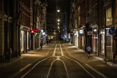Nederland wil nu pas avondklok invoeren om het coronavirus te stoppen: wat hield hen zo lang tegen?
