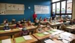 """Het moet (nog) niet maar in deze lagere school dragen alle leerlingen zonder morren een mondkapje: """"In het begin was het raar, nu zijn we het gewoon""""<BR />"""