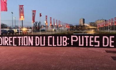 Harde kern van Antwerp haalt uit naar bestuur na comeback van Didier Lamkel Zé