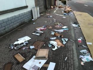 """Straten liggen bezaaid met papier en karton na stormweer: """"Werkmannen hebben meer dan dag werk om alles op te ruimen"""""""