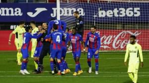 Gekte in Spanje: doelman scoort tegen Atlético Madrid, Barcelona mist twee strafschoppen tegen kneusje