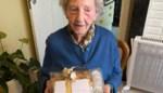 Célina is met haar 102 jaar oudste inwoner