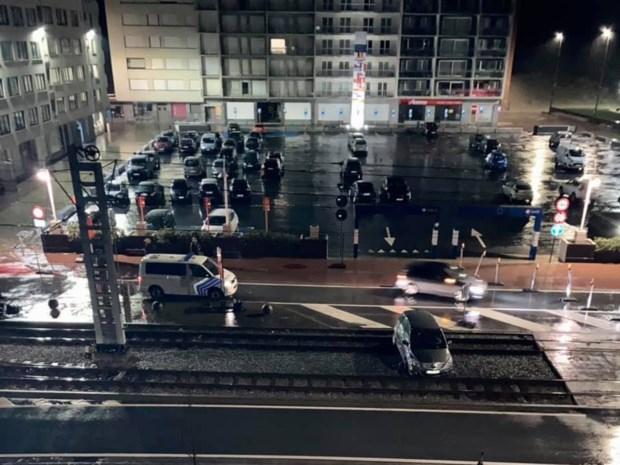 Opnieuw eindigt auto op tramsporen