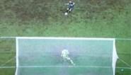 """Francky Dury razend na VAR-ingreep bij gestopte penalty in extra tijd: """"Wat is het volgende, een blinddoek voor keepers?"""""""