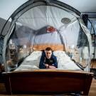 Jens Reynders: op hoogtestage in eigen slaapkamer dankzij een hoogtetent.