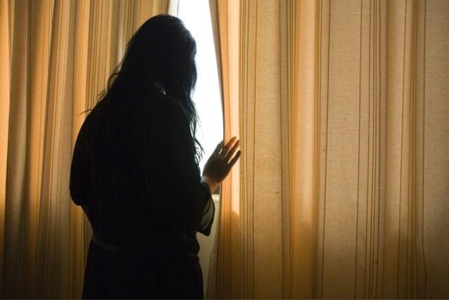 """Stalker overstelpt ex twee jaar lang met cadeaus en doet zelfs bod op huis naast hare: """"Net een thriller"""""""