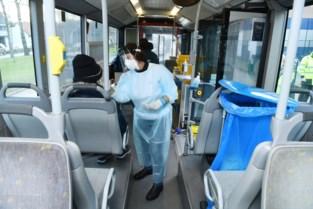 """Mee met de UZA-testbus: """"Als we op deze manier terugkerende skiërs hadden kunnen testen, dan was er veel miserie voorkomen"""""""
