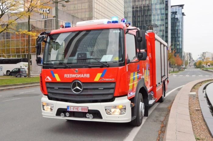Vier brandweermannen en kraker gewond bij felle brand in Koningsstraat