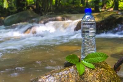 60 jaar geleden uit de lucht gevallen, vandaag in je flesje: de lange reis van mineraalwater
