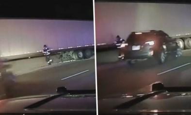 Auto begint te slippen op spekgladde weg, wegenwachter moet springen voor zijn leven
