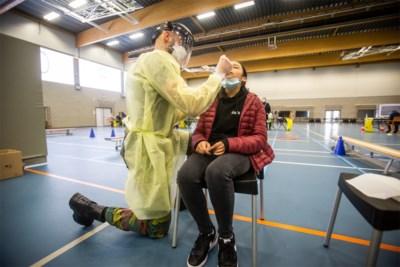Meer testen bij kleine kinderen, maar ook mondmaskers verplichten? De scholen openhouden zal niet zomaar gaan
