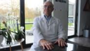 """Huisarts André (77) keert terug uit pensioen voor sleutelrol in vaccinatiecentrum: """"Geen opgave maar een beloning"""""""
