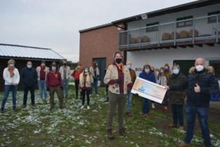 EEN schenkt geld van nieuwjaarsreceptie aan Scouts