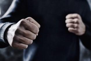Gentenaar pompt 10 keer op één hand om aan rechter onschuld te bewijzen