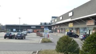 Raad van State fluit stadsbestuur terug , projectontwikkelaar mag Retailpark N60 na jarenlange procedureslag toch uitbreiden