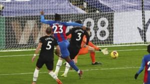 Crystal Palace verliest van West Ham, ondanks assist Benteke en goal Batshuayi