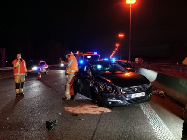 Twee lichtgewonden na ongeval op E17