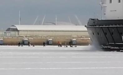 Vissers vluchten voor hun leven wanneer ijsbreker van 2.000 ton op hen afstevent