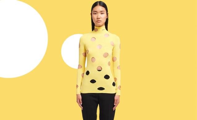 Een trui die op gatenkaas lijkt? Daar betaal je bij Prada net geen 1.000 euro voor