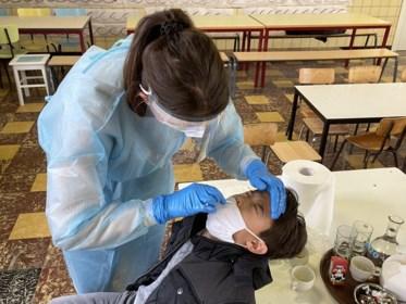 Verscheidene leerjaren basisscholen in quarantaine na positieve coronatesten