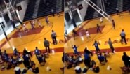 Waanzinnige beelden: na dunk begeeft metershoge basketbalring het en verplettert ei zo na vluchtende spelers