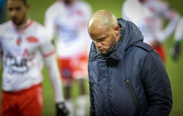 """Vincent Kompany na een nieuw puntenverlies op verplaatsing tegen Moeskroen: """"Die flater doet ons de das om"""""""