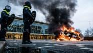 """""""Pak een metalen stok mee"""": rellen in Nederland dreigen over te waaien naar ons land, politiediensten bereiden zich voor"""