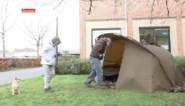 """Koppel kampeert op parking OCMW na uithuiszetting: """"We staan schaakmat"""""""