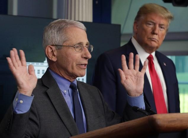 """Anthony Fauci, de immunoloog die een jaar lang tegen Trumps coronabeleid inging: """"Ik was het stinkdier op de picknick"""""""
