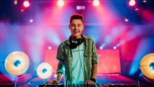 """DJ Voltage (22) mag mee radioshow maken: """"Alle muziek tijdens de show komt vanuit mijn dj booth"""""""