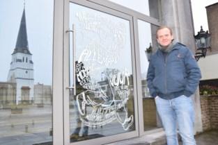 """Gemeente heeft speciale oproep voor inwoners: """"Zet muziekteksten op je ramen en schrijf mee aan het langste gedicht"""""""