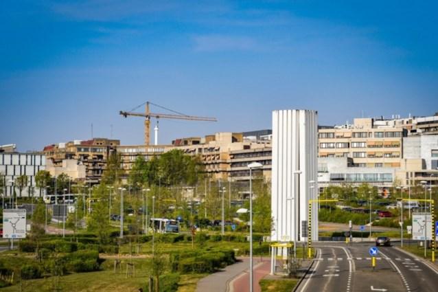 Tijdelijke ontruiming inkomhal na bommelding in UZ Leuven: politie kan 67-jarige verdachte identificeren