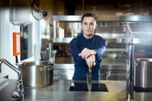 """Tierende topkok uit 'Ja, Chef' is zelf niet langer chef: """"Ik wil niet langer werken voor een baas"""""""