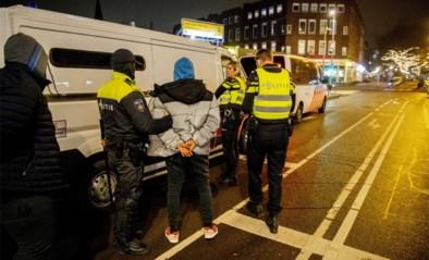 """Politie houdt 25 mensen aan in Rotterdam tijdens """"beheersbare avond"""""""