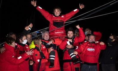Mythische oceaanrace stelt alweer niet teleur: als derde finishen maar winnen na nobel gebaar, fatale dutjes én veel vuurwerk