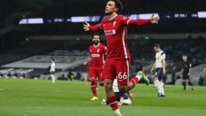 Liverpool en invaller Divock winnen vlot de Engelse kraker tegen Tottenham (1-3), met Toby Alderweireld op de bank