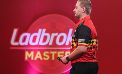 Dimitri Van den Bergh heeft een slechte dag en is meteen uitgeschakeld op de Masters darts