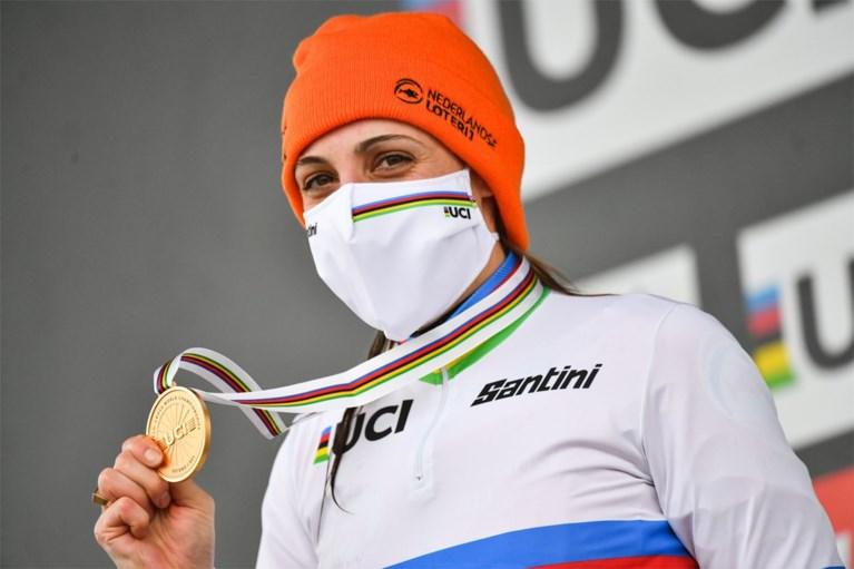 """Hard labeur met Sven Nys levert Lucinda Brand verdiende wereldtitel op: """"Ik voel me bijna Belg"""""""