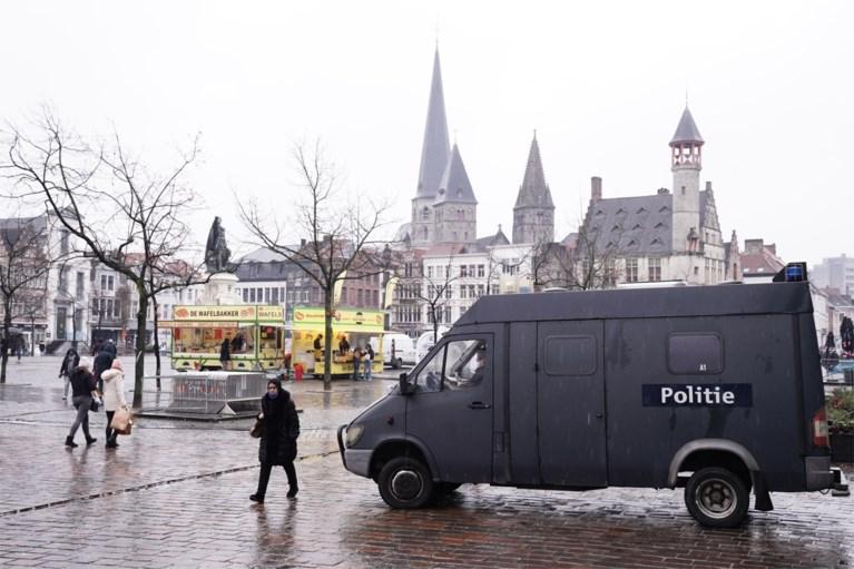 """Politie zichtbaar aanwezig in Kuip: """"Om relschoppers te ontmoedigen"""""""