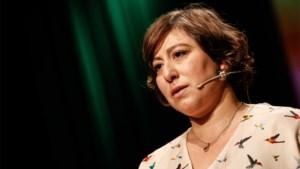 """Groen-voorzitter Meyrem Almaci over geruzie tussen politici en experts: """"Elke dag iets toeteren is niet goed voor het mentale welzijn"""""""