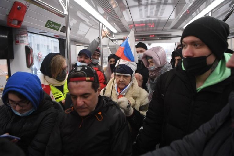 Meer dan 4.000 betogers en echtgenote opgepakt bij Navalny-protesten in Rusland, kritiek op gewelddadig optreden politie