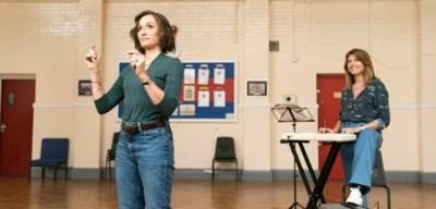 RECENSIE. 'The singing club' van Peter Cattaneo: Zingen uit verveling **