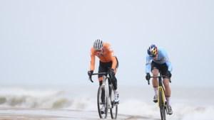 IN BEELD. Een WK veldrijden rakelings langs de kust van Oostende? Dat zorgt voor unieke beelden