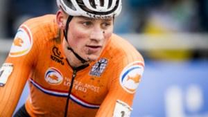 """Adrie van der Poel apetrots op zoon Mathieu: """"De beste heeft gewonnen, maar ik heb toch even getwijfeld"""""""